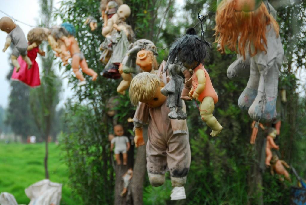 Лес мертвых кукол в Мексике