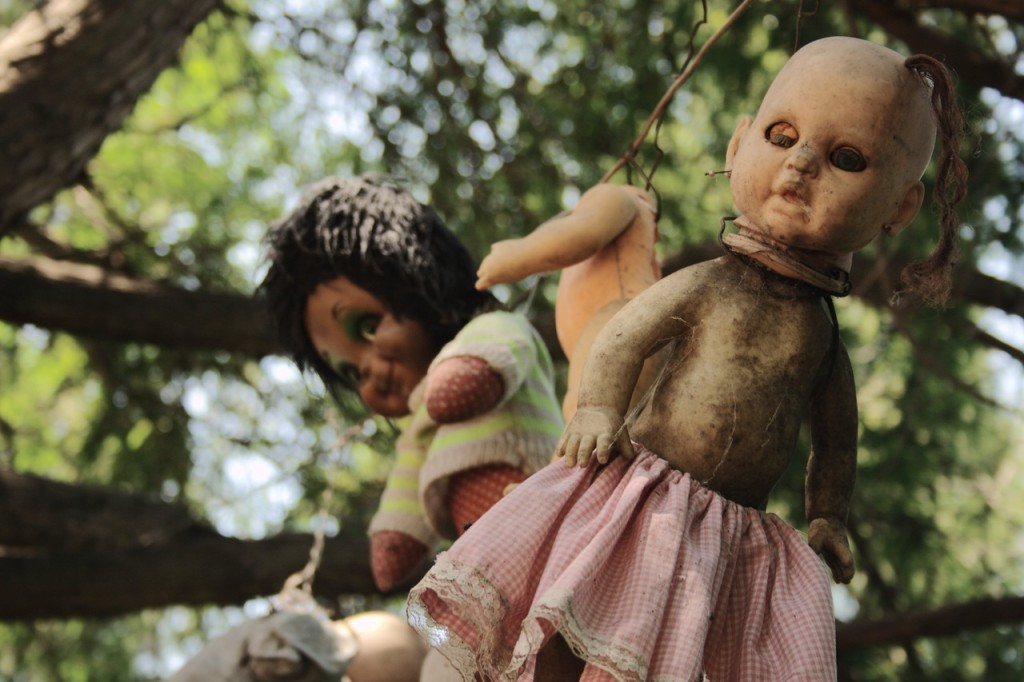 Мертвые куклы в Мексике на острове