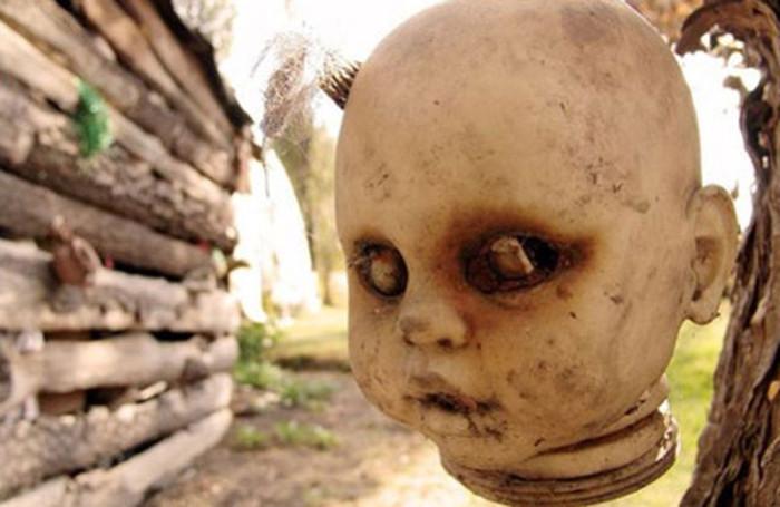Остров мертвых кукол в Мексике.