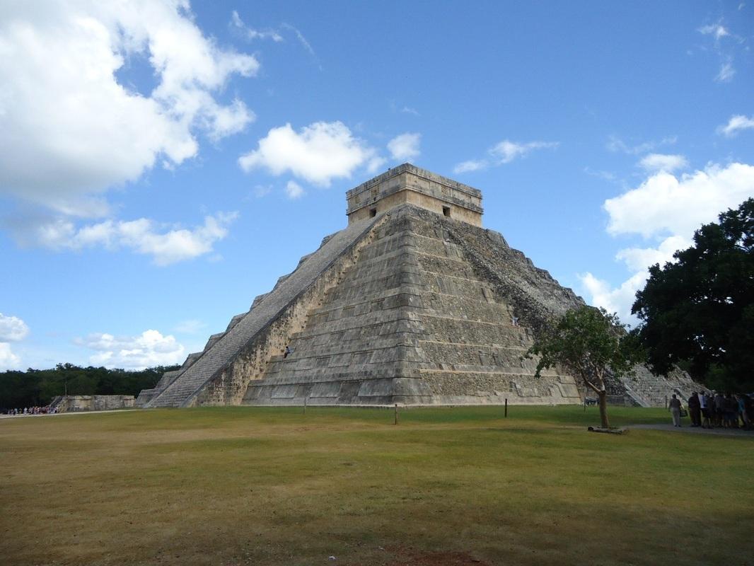 Пирамида в честь божества Кетсалькоатля