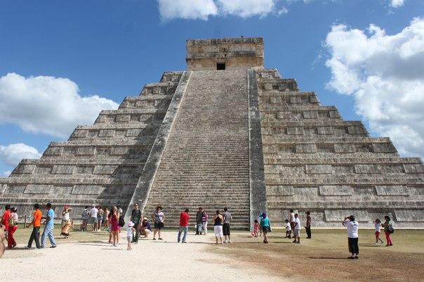 Пирамида Кукулькан в Мексике. Чичен Ица