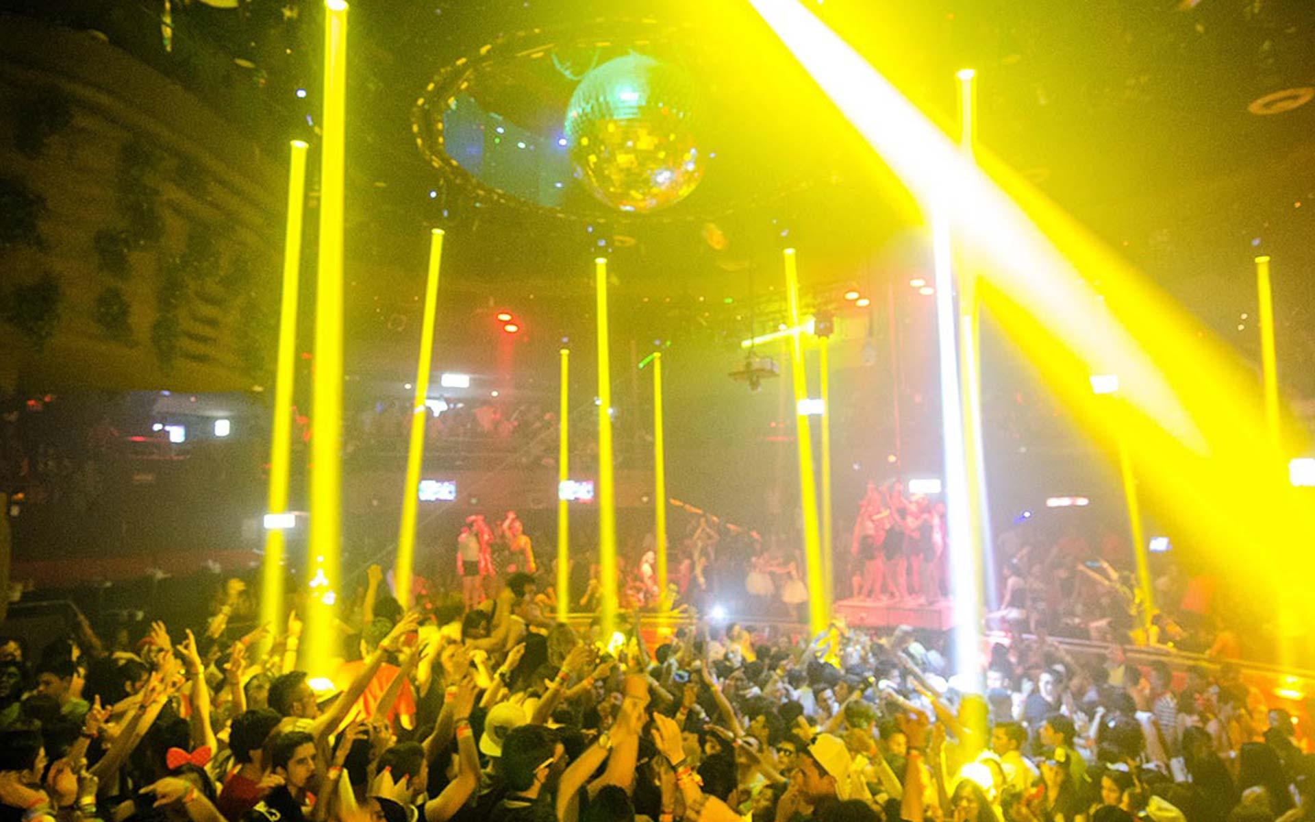 Мексика клубы ночные афиши эротическое шоу