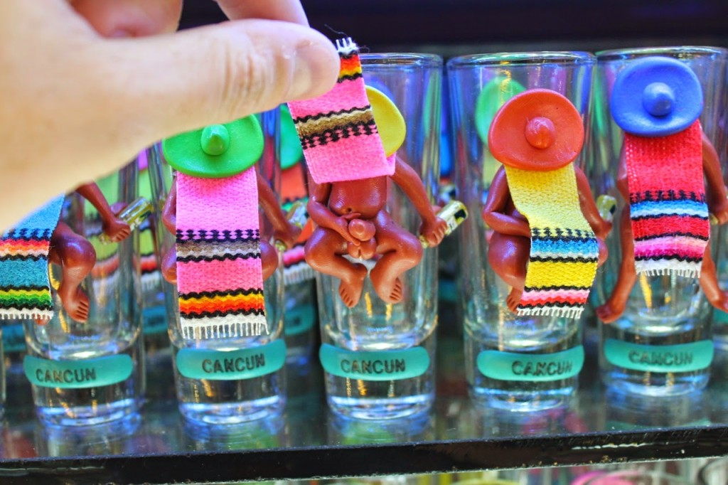 Оригинальные подарки в Канкуне. Текила бум. Стопки для текилы из Мексики