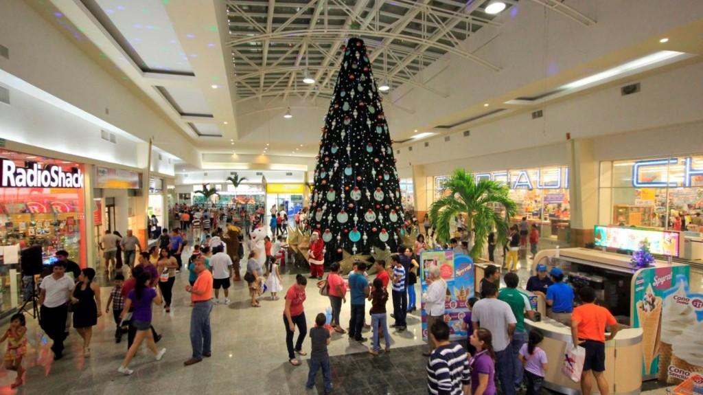 Рождество в Плаза Лас Америкас. Покупки в Канкуне. Шопинг центр и кинотеатр в Мексике