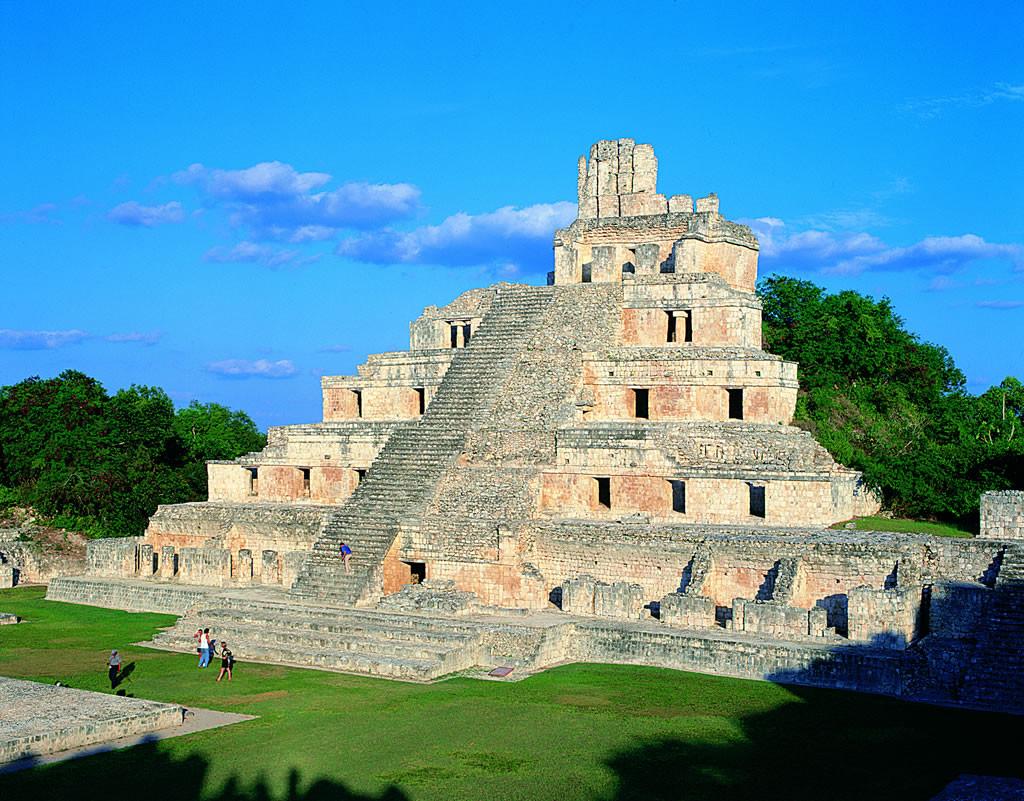 Пирамиды Эцна в Кампече. Мексика