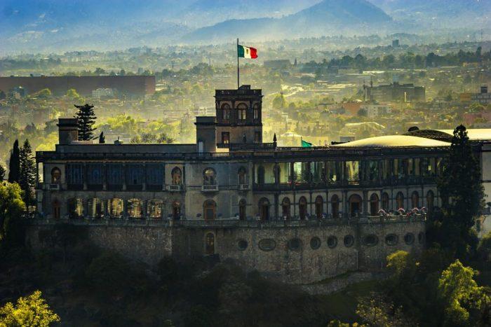 Достопримечательность Замок Чапультепек