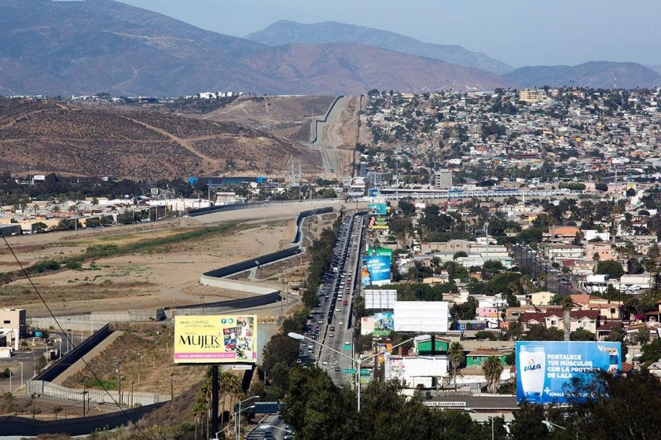 Граница США и Мексики. Города Сан Диего и Тихуана
