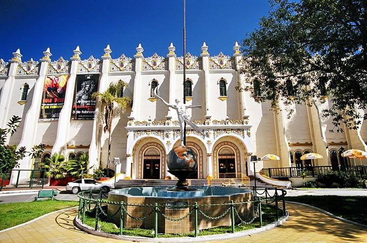 Дворец Джай Алай в Тихуане. Мексика