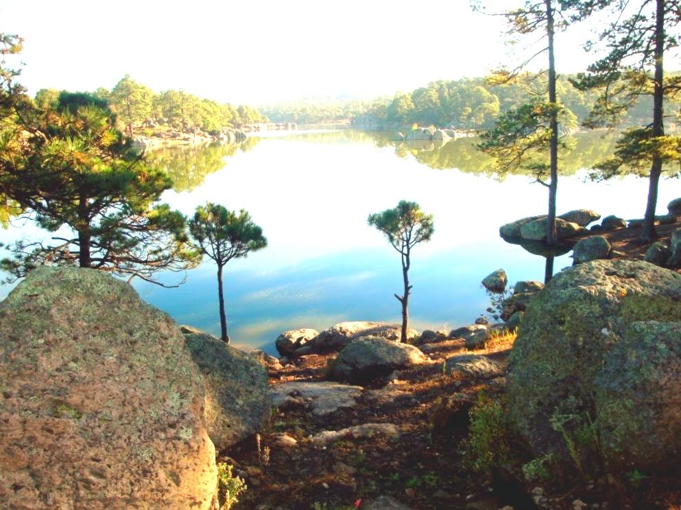В окресностях города Креэль есть чудесное озеро Арареко