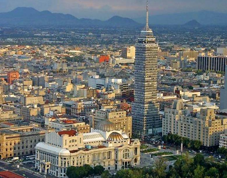 Исторический центр города Мехико Сити, Дворец Изящных Искусств и Латиноамериканская Башня