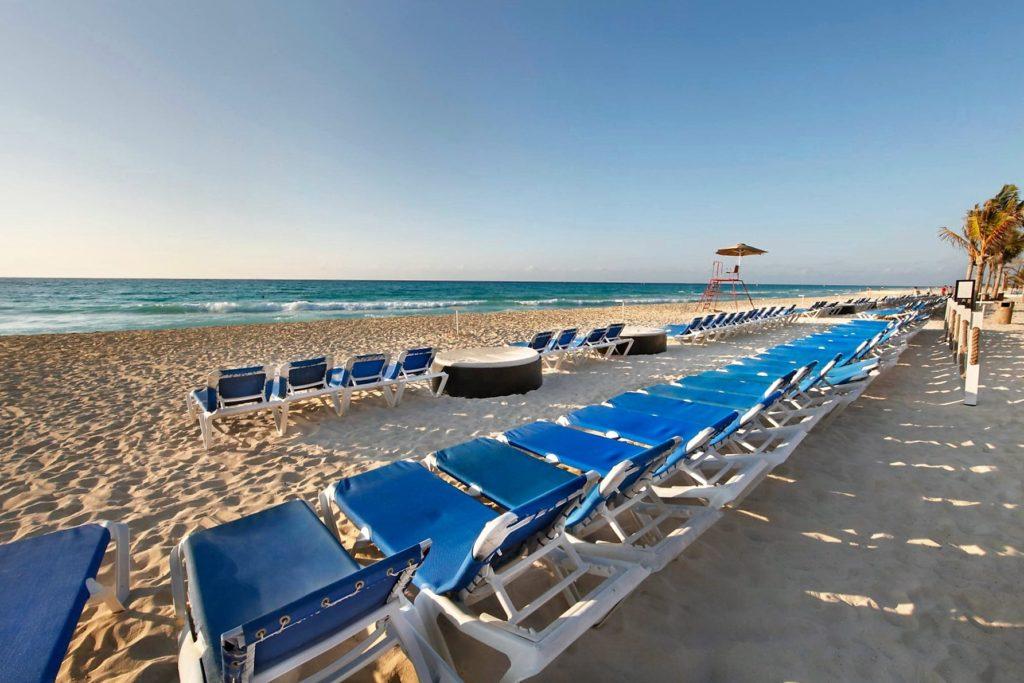 Пляжная линия отеля Вива Виндхэм Майя, Мексика