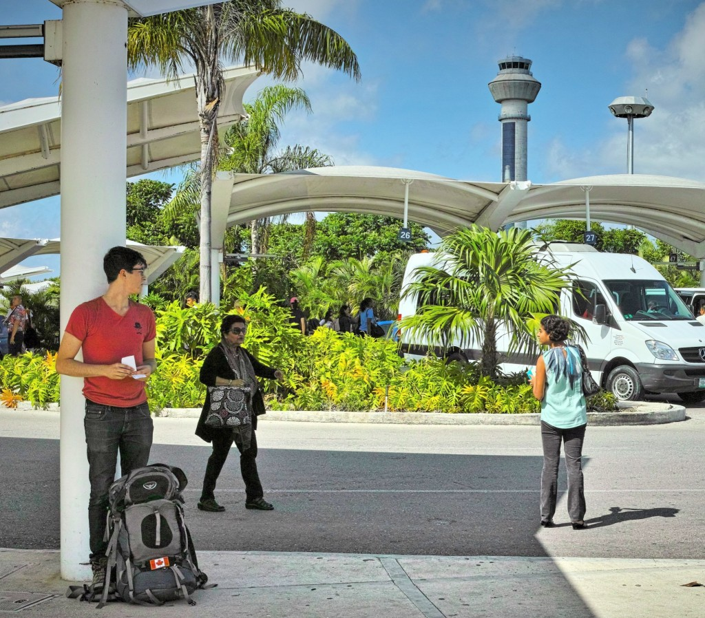 При выходе из 3 терминала в аэропорту Канкуна