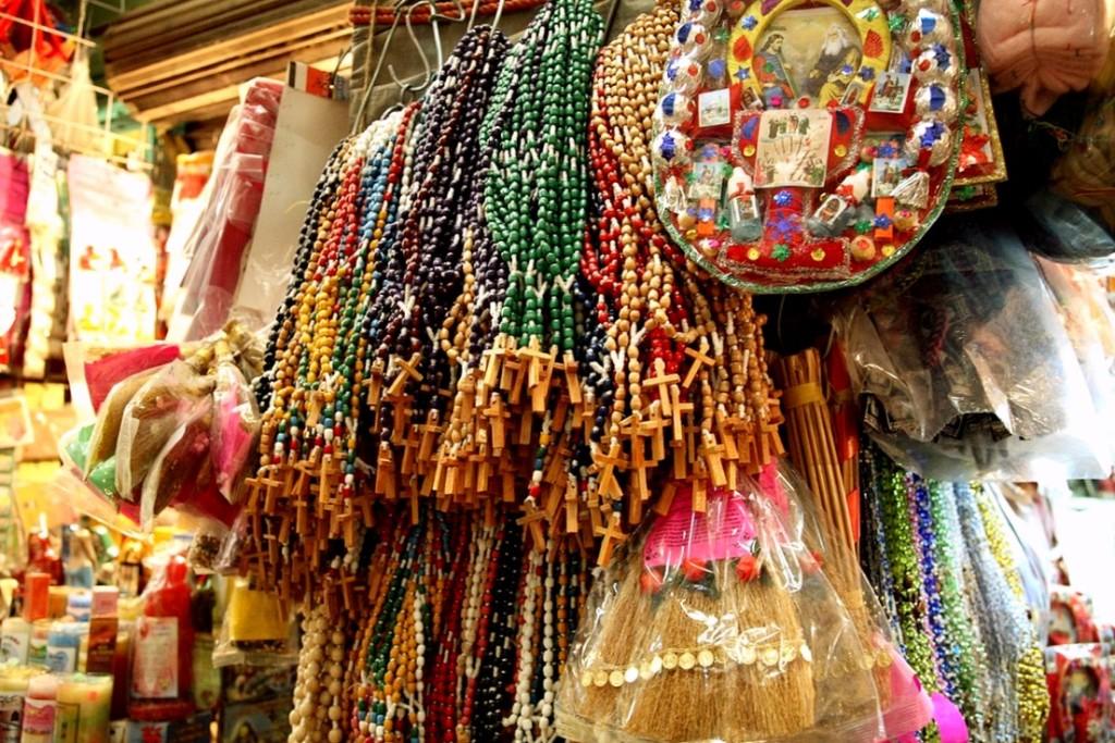 Магические амулеты на рынке Сонора в Мексике