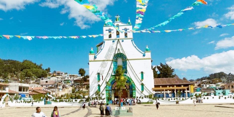 Главная площадь деревни Сан Хуан Чамула