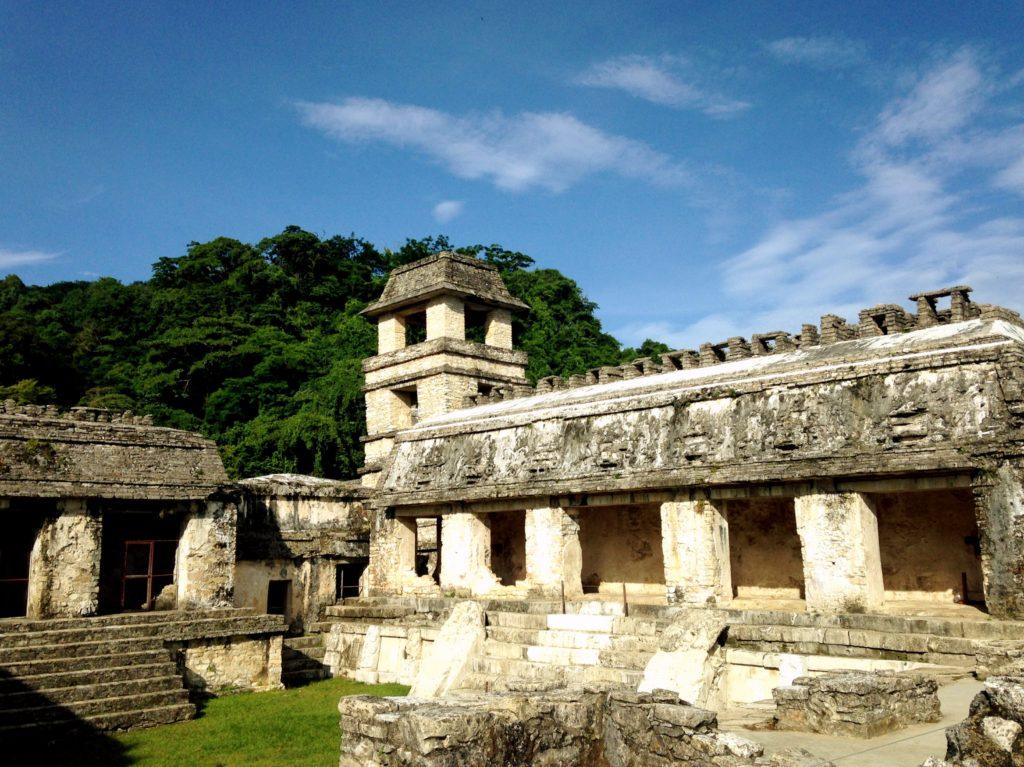 Дворец Правителя в мистическом городе Паленке, штат Чиапас