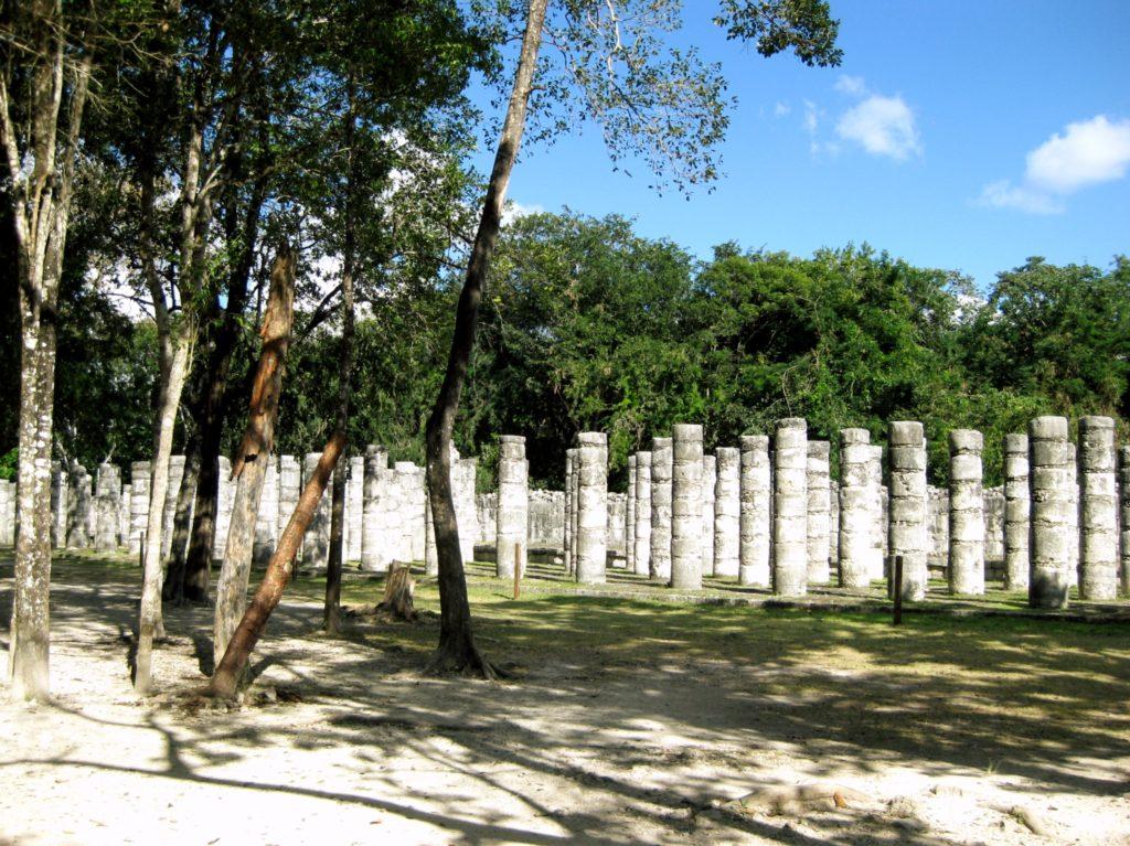 Группа тысячи колонн в археологическом комплексе Чичен-Ица