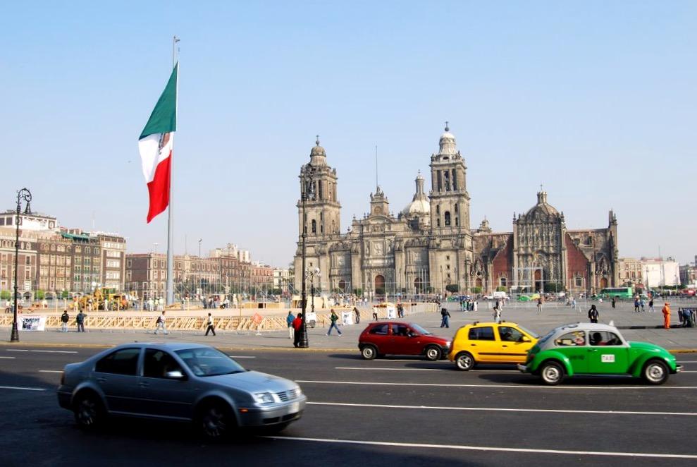Храм Успения Пресвятой Богородицы на Площаде Сокало, Мехико Сити