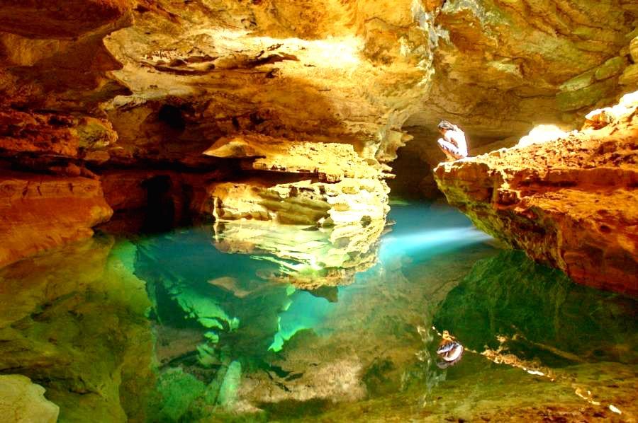 Подземная река в пещере Какаумильпа. Различные маршруты по изучению Грота Какаумильпа, Мексика