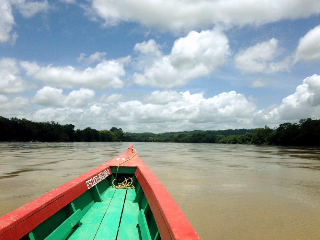 Поездка на лодке по реке Усумасинта, граница Гватемалы