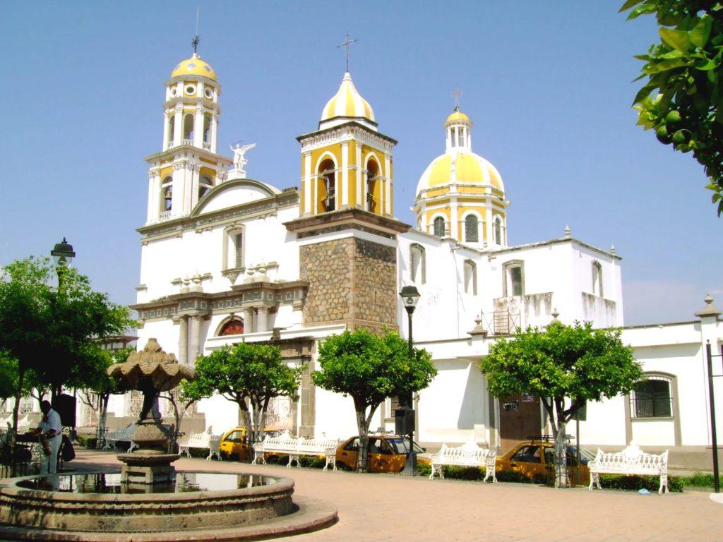 Храм города Колима, Мексика
