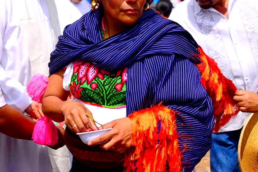 Ребосо - элемент национальной одежды индейских женщин, мексиканские сувениры.