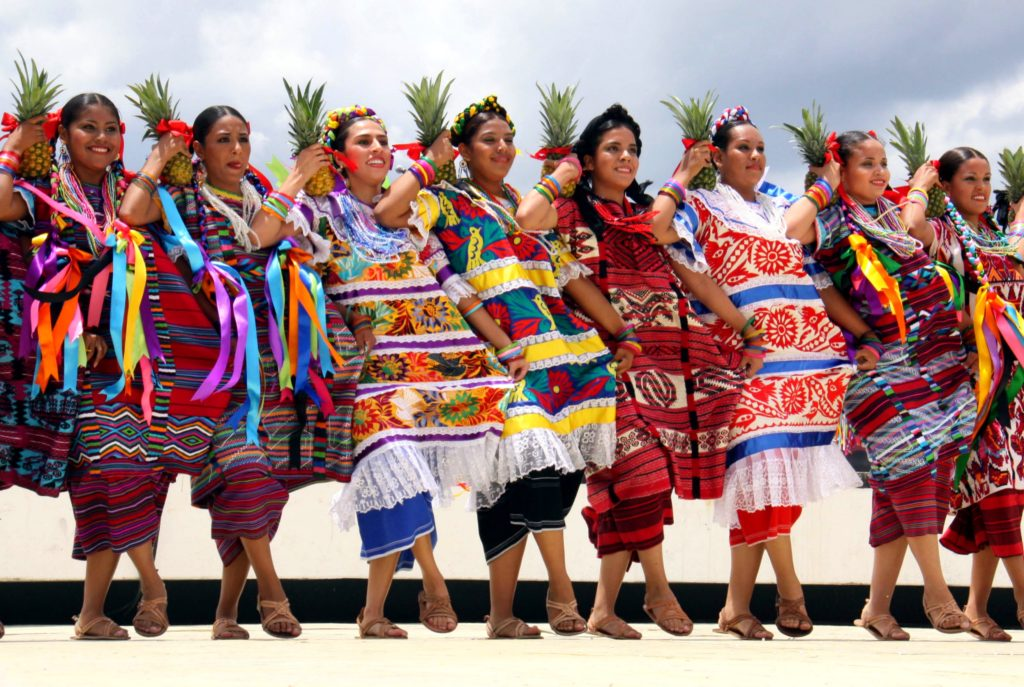Гелагеца - праздник в честь богини кукурузы Центеотль, штат Оахака, Мексика