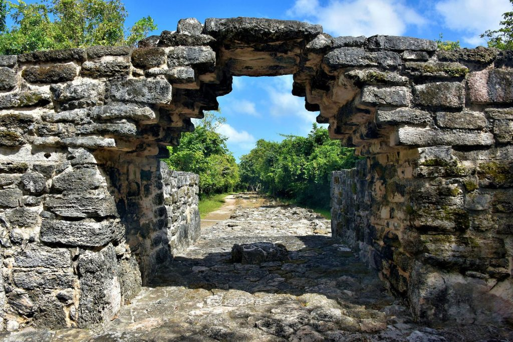 Mexico-Cozumel-San-Miguel-San-Gervasio-Archway-Sacbe-1440x961