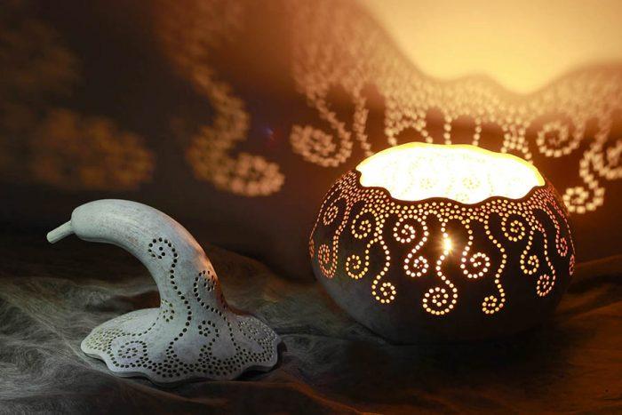 Лампы из тыкв это традиционные сувениры в в Чьяпа-де-Корсо, Чьяпас