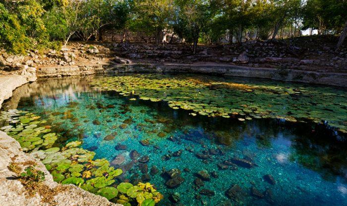 Название сенота переводится с языка майя как «старый город».