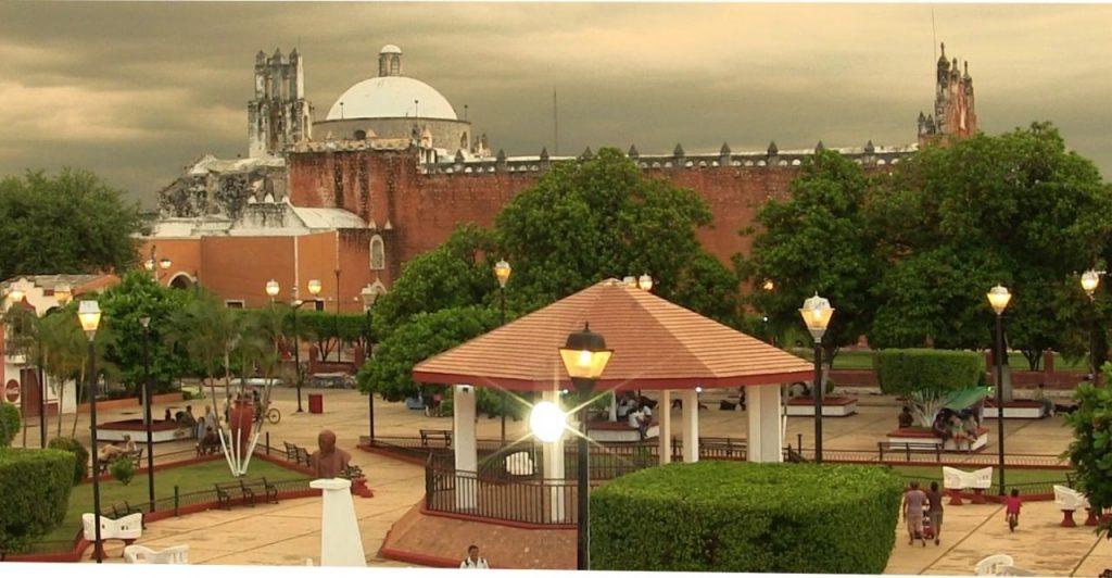 Исторический центр города Тикуль наполнен религиозными святынями